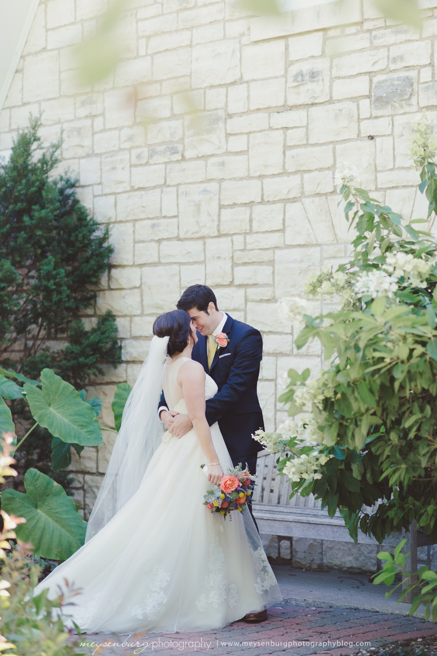 Midwest garden wedding meysenburg photography for Wedding dress rental manhattan
